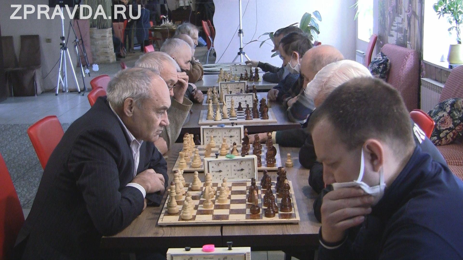 Зеленодольские шахматисты из клуба «ЯЗУ-Пеликан» провели турнир с командой из Буинска